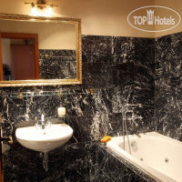 Фото отеля King Charles Boutique Residence 4*