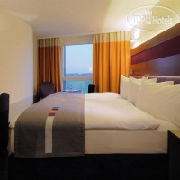 Фото отеля Park Inn by Radisson Zurich Airport 4*