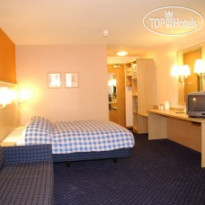 Фото отеля Travelodge Limerick 3*