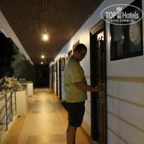 Фото отеля Samui First House 3* Коридорчик по дороге в номер