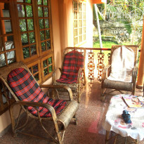 Фото отеля Ganesh House Home Stay балкончик