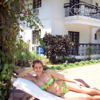 Фото отеля Vila Goesa Beach Resort 3* У бассейна.