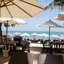 Фото отеля Thai House Beach Resort 3* столики у бассейна