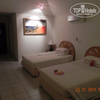 Фото отеля Holiday Island Resort 4*