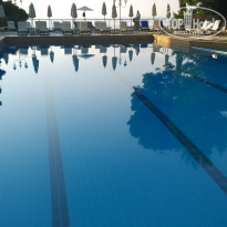 Фото отеля Corfu Holiday Palace 5* Бассейн отеля