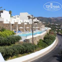 Рядом с отелем Wyndham Grand Crete Mirabello Bay