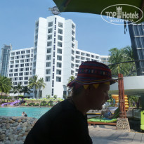 Фото отеля Hard Rock Hotel Pattaya 4* 1-2 часа в бассейне была анимация