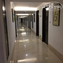 Фото отеля Lemon Tree Hotel City Center 4* Коридор