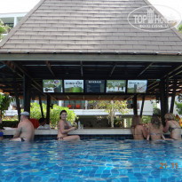 Фото отеля Naithonburi Beach Resort 4* Бар у бассейна.