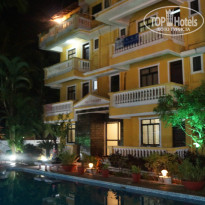 Фото отеля Sao Domingos Hotel Goa 2* вечер у бассейна