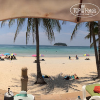 Фото отеля Kata Beach Resort & Spa 4* Вид на пляж с шезлонгов