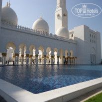 Фото отеля Sharjah Premiere Hotel & Resorts 3* Мечеть шейха Зайда днем
