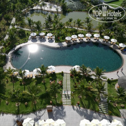 Территория отеля Cam Ranh Riviera Beach Resort & Spa