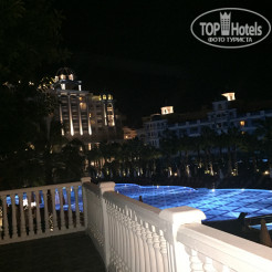 Территория отеля Rubi Platinum Spa Resort & Suites