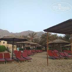 Пляж Miramar Al Aqah Beach Resort