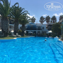 Aldemar Royal Mare Luxury & Thalasso Resort 5* Бассейн во внутреннем дворике - Фото отеля