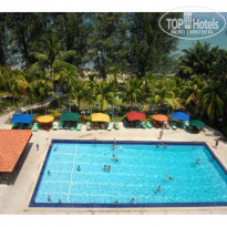 Holiday Inn Resort Penang 4* Вид на бассейн - Фото отеля