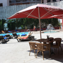 Фото отеля Fergus Style Plaza Paris Spa 4* дворик