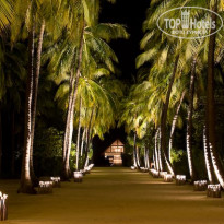 Фото отеля Four Seasons Resort at Landaa Giraavaru 5* Аллея к рессейпшену