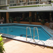 Фото отеля Alor Holiday Resort Calangute 2* Бассейн в отеле.