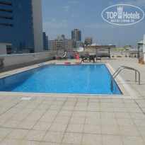 Фото отеля Moon Valley Hotel Apartments Dubai APT бассейн
