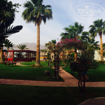 Фото отеля Swiss Inn Golden Beach Dahab 4* Слева треннажерный зал, за ним пляж